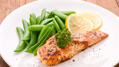 Salmon with snap peas